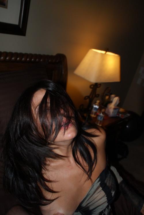 uine femme gémit